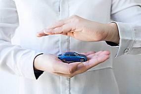 手 和汽车