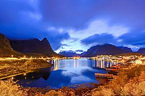 山村夜景图片