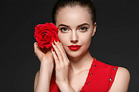 玫瑰花红衣美女