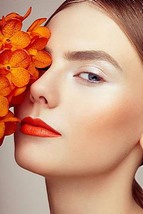 花朵和彩妆美女图片