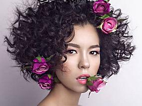 玫瑰花卷发美女
