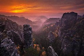 景观,日落,山,森林,秋季,薄雾,天空,云,岩,树木,德国338310