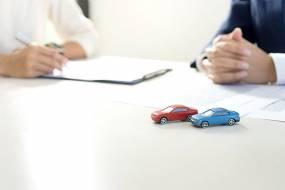 人物办公签字汽车玩具图片